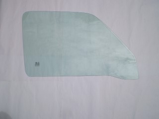 Suzuki Carry Left Front Door Glass DB52