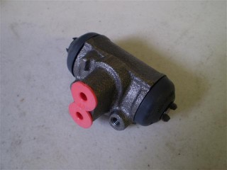 Suzuki Carry Rear Wheel Cylinder